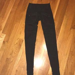 LuluLemon leggings with zippers .